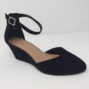 Torrid black ankle strap closed toe wedges 11.5W